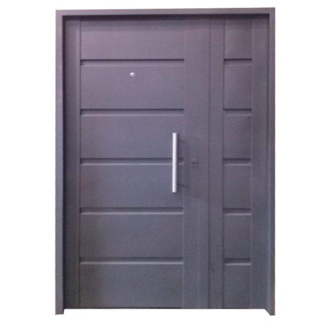 7011-120 Puerta de chapa inyectada Nº 20. Puerta y medida de 1.20 x 2.00. Con barral y mirilla.